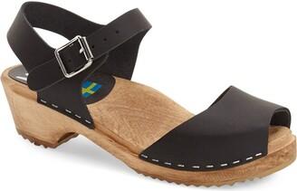 Mia 'Anja' Clog Sandal