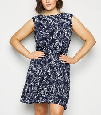 New Look Curves Leaf Print Tie Front Dress