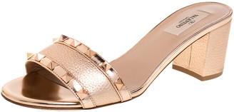 Valentino Metallic Rose Gold Leather Rockstud Trim Block Heel Slide Sandals Size 40