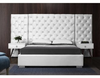 Everly Quinn Sanders Tufted Platform Bed Color: Black, Size: Queen