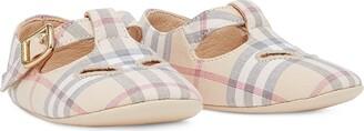BURBERRY KIDS Signature Check Crib Shoes