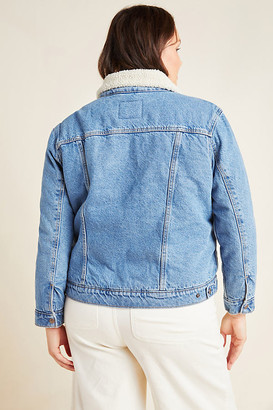 Levi's Ex-Boyfriend Sherpa Plus Denim Trucker Jacket By in Blue Size 1 X