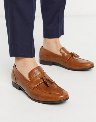 ASOS DESIGN loafers in tan faux leather with tassel
