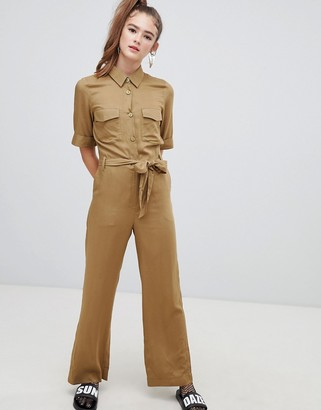 Monki utility belted boilersuit in khaki-Red
