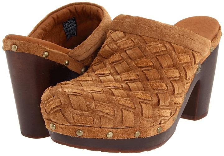 UGG Arroyo Weave Clog (Dark Chestnut Suede) - Footwear