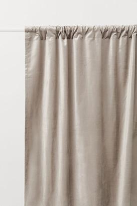 H&M 2-pack Velvet Curtain Panels