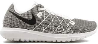 Nike Flex Fury 2 sneakers