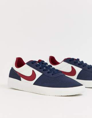 Nike Sb SB Team Classic in Navy