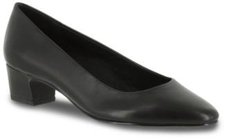Easy Street Shoes Prim Pump