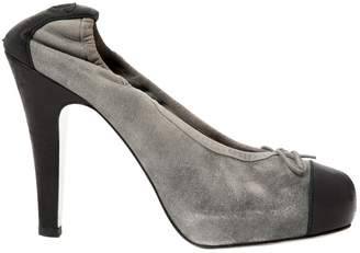 Chanel \N Grey Suede Heels