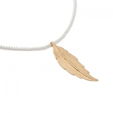 LeiVanKash Feather Pearl Necklace