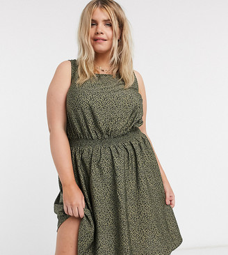 New Look Plus New Look Curve sleeveless midi dress in green pattern