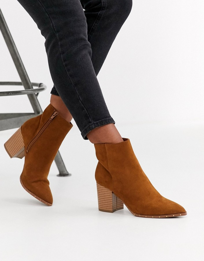 New Look studded rand pointed boot in tan