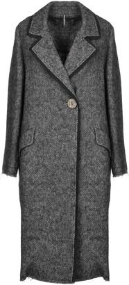 Liviana Conti Coats
