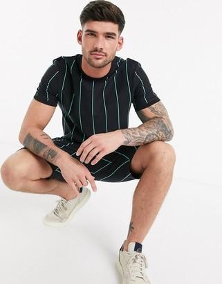 New Look vertical stripe t-shirt in black