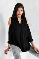 Silence & Noise Silence + Noise Cold Shoulder Button-Down Shirt