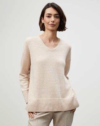 Lafayette 148 New York Plus-Size Cashmere Chine V-Neck Sweater