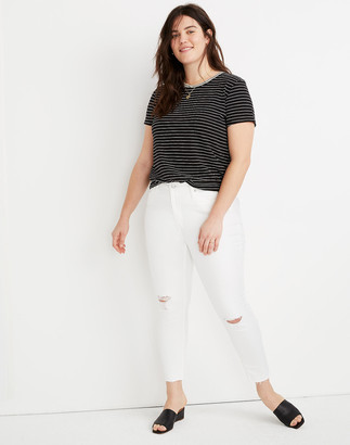 """Madewell Petite 9"""" Mid-Rise Skinny Crop Jeans in Pure White: Knee-Rip Edition"""