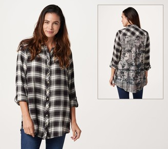 Tolani Collection Regular Button Front Tunic w/ Printed Back