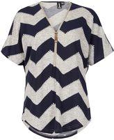 Izabel London Short Sleeved Zig Zag Zipped Top