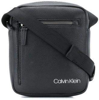 Calvin Klein QT Pocket messenger bag