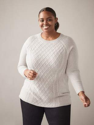 Crew-Neck Cable Knit Sweater - In Every Story