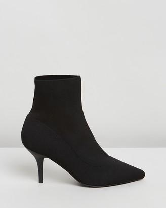 Spurr Delta Ankle Boots