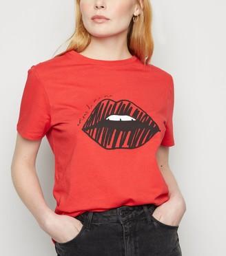 New Look Lips Sketch Print Slogan T-Shirt