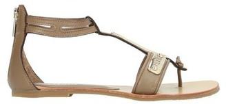 Alviero Martini Toe post sandal