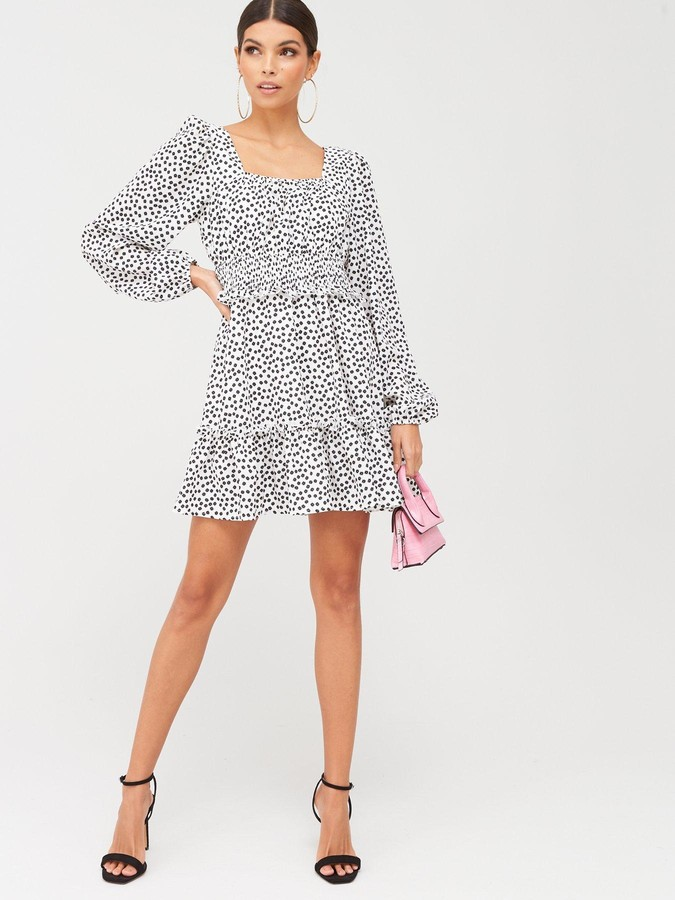 Missguided Shirred Waist Tiered Long Sleeve Ditsy Floral Dress - White