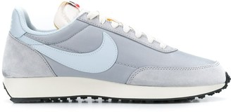 Nike Low Top Lace-Up Sneakers