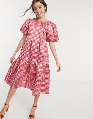Glamorous midi volume smock dress in pink plaid