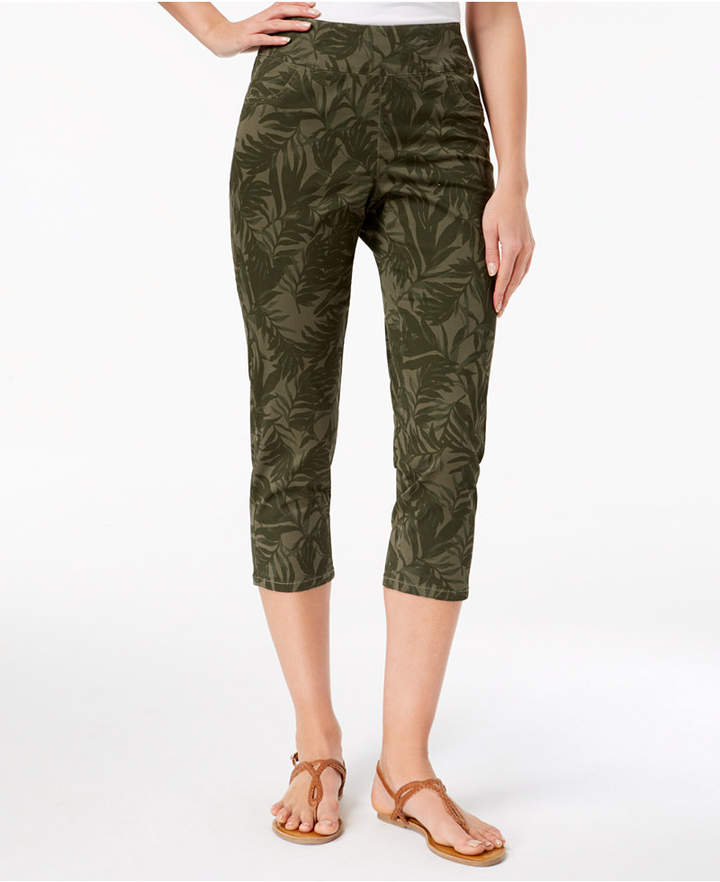 Style&Co. Style & Co Printed Pull-On Capri Pants