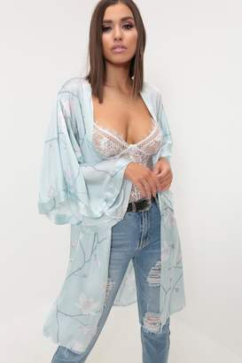 I SAW IT FIRST Pale Blue/White Floral Print Satin Kimono