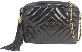 Chanel Black Diamond Stitch Patent Leather Crossbody Bag