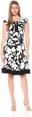 Robbie Bee Women's Floral Printed Textured Knit Notch Neck Dress Black/White S