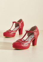 Fact or Fashion? T-Strap Heel in 9