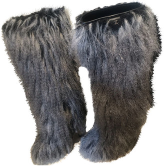 Chanel Grey Faux fur Boots