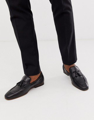 Asos Design DESIGN loafers in black leather with fringe detail and natural sole