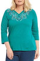 Allison Daley Plus Floral Embroidered Notch V-Neck Knit Top