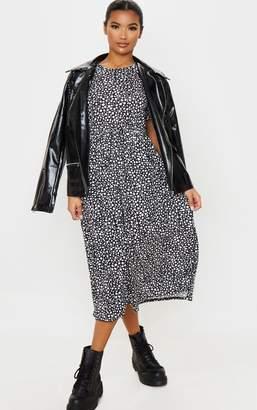 PrettyLittleThing Black Dalmatian Print Short Sleeve Midi Smock Dress