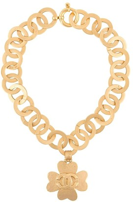 Chanel Pre Owned 1990 CC clover necklace