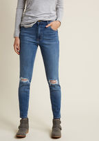 Rolla's Doing Downtown Distressed Skinny Jeans in 28