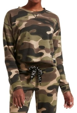 KENDALL + KYLIE Women's Oversized Long Sleeve Cropped Tee Camo