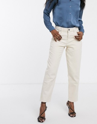 Asos Design DESIGN Relaxed boyfriend jeans in ecru-Cream