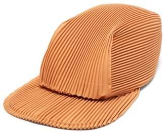 Homme Plissé Issey Miyake Flat-brim Technical-pleated Cap - Mens - Orange