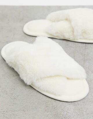 Accessorize slipper slide in off-white faux fur