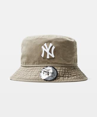 New Era NY Yankees Bucket Hat Washed Khaki/White