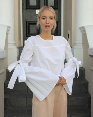 The Drop Women's White Boxy Crew Neck Flared Tie Sleeve Crop Top by @leoniehanne S