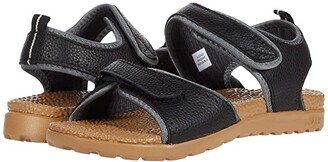 Acorn Everyweartm Grafton Sandal (Black) Women's Sandals